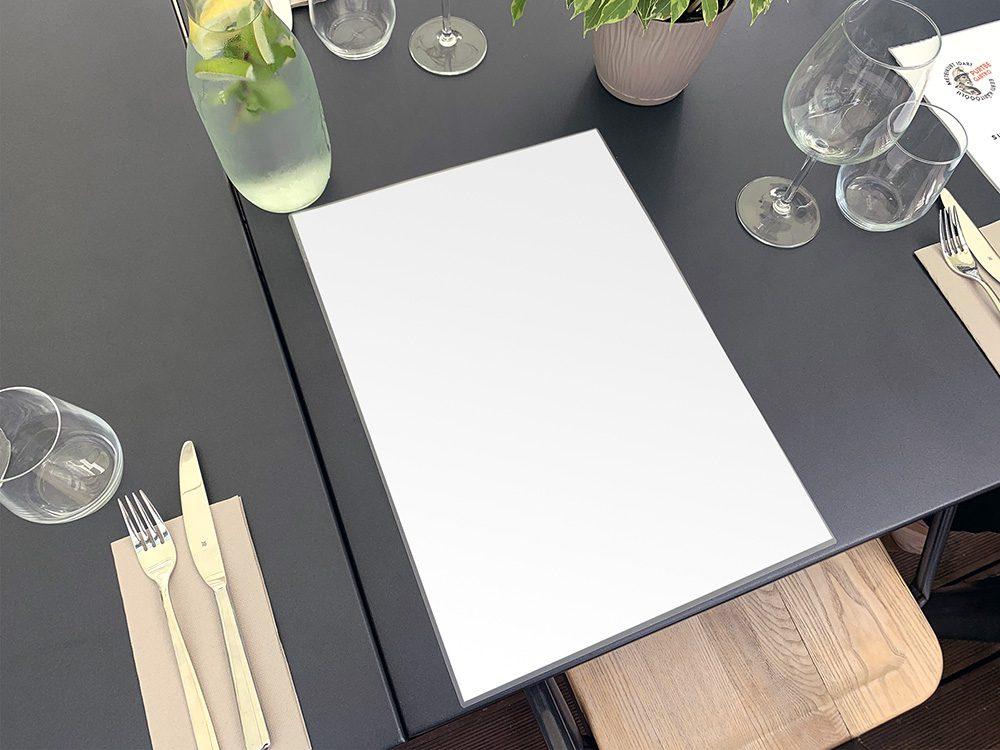 002-restaurant-menu-mockup-psd-template