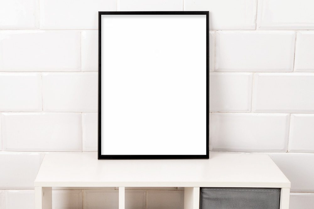 02-photo-frame-mockup-portrait