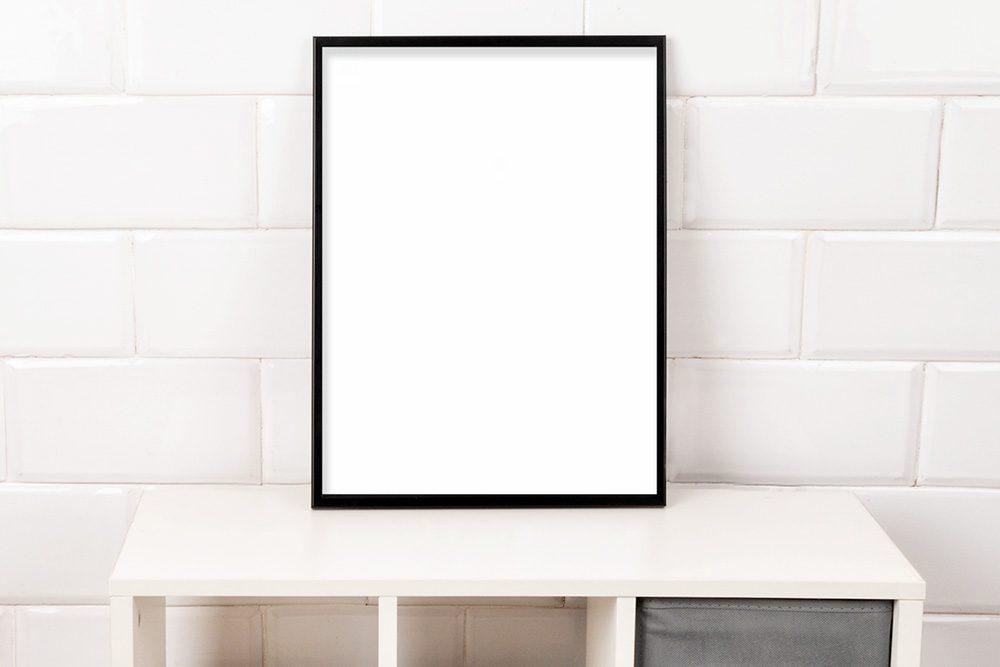 02-poster-frame-mockup-template