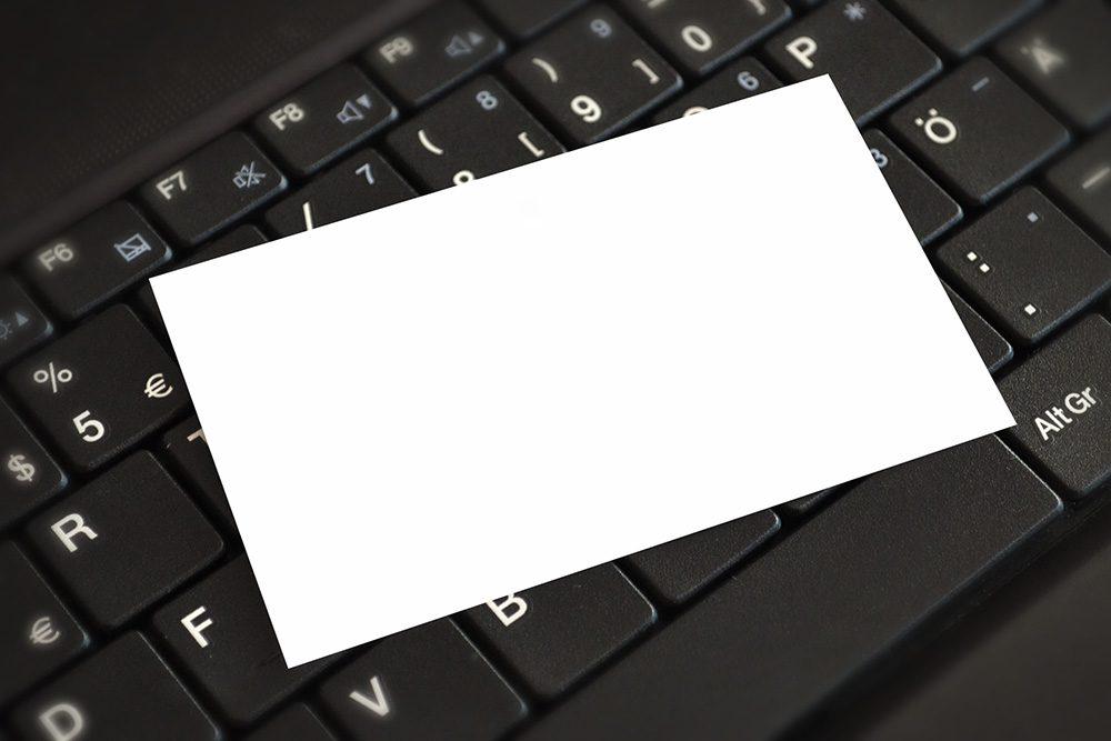 05-closeup-business-card-mockup-generator