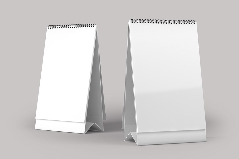 07-tall-desk-calendar-mockup