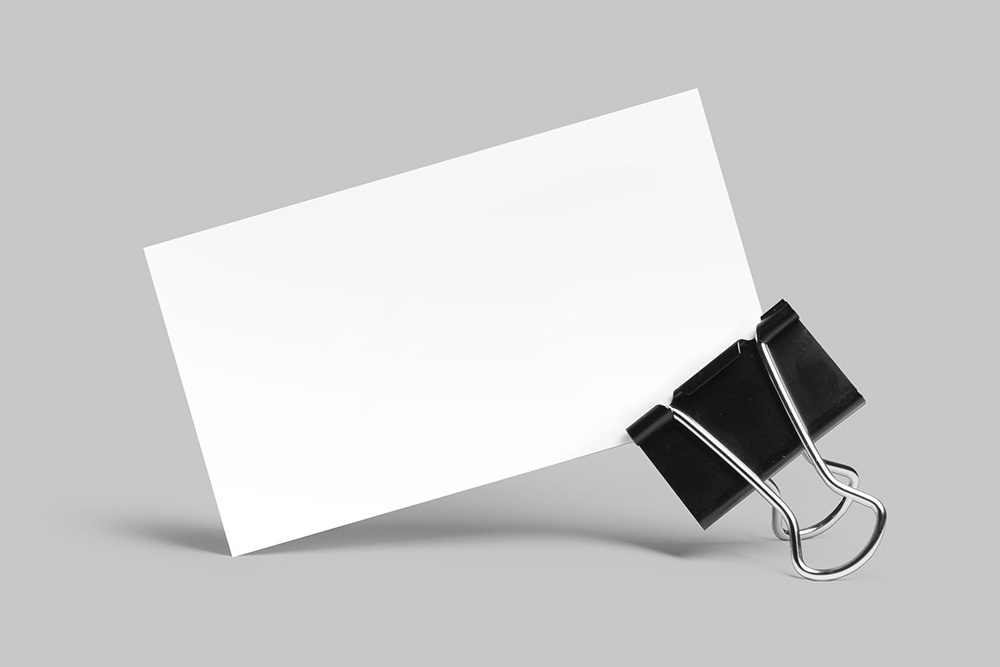 08-business-card-mockup-in-paper-clip