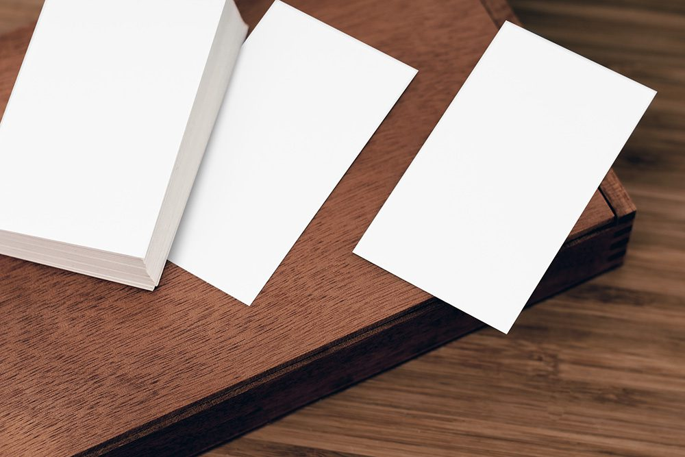 09-business-cards-on-table-mockup