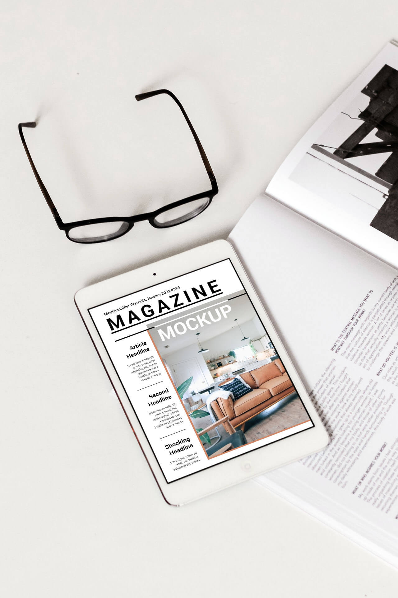 13-cover-mockup-of-a-magazine-on-desk