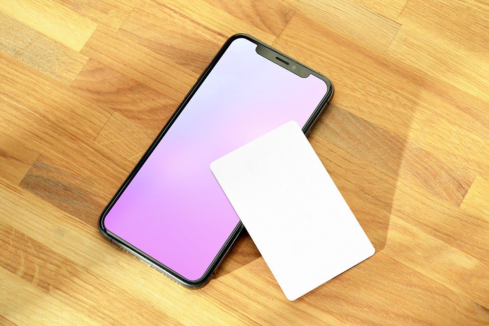 21-photoshop-template-credit-card-and-iphone-online-banking-app