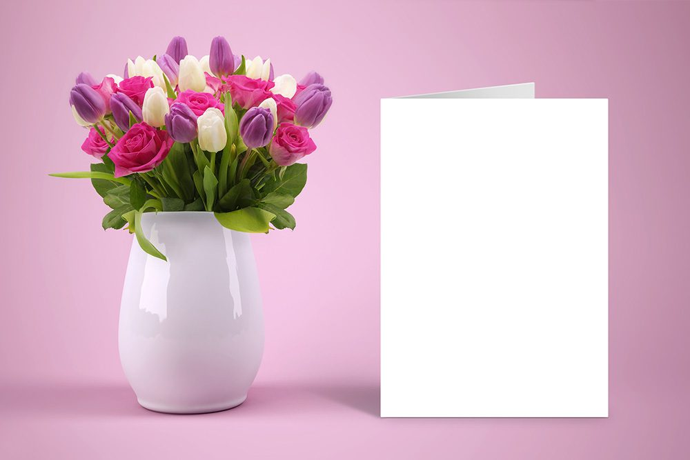 22-floral-postcard-mockup-folding