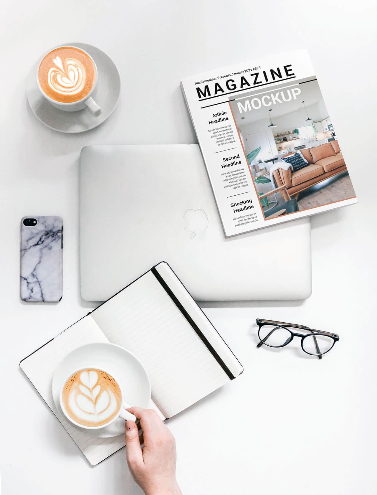 Diseño de revistas: 22-mujer-bebiendo-café-y-leyendo-revista