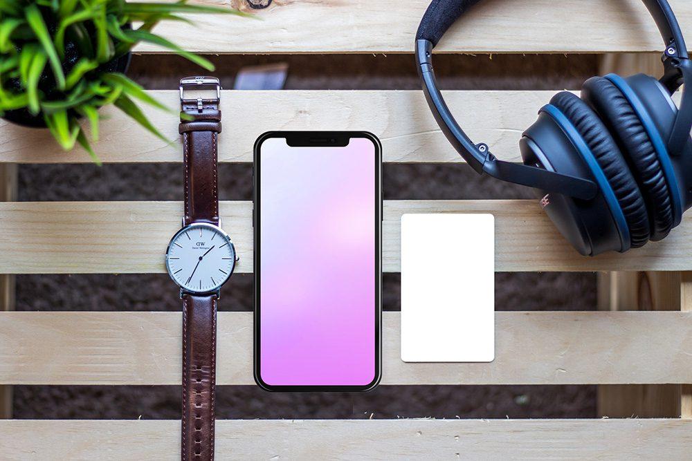 24-credit-card-and-iphone-mockup