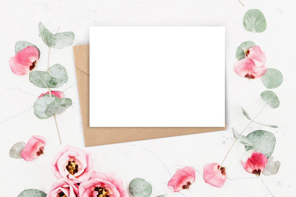 26-floral-card-kraft-envelope-mockup