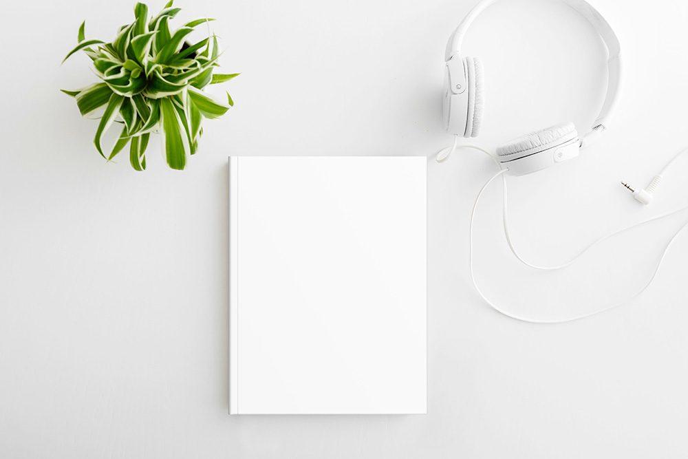 31-book-on-desk-mockup
